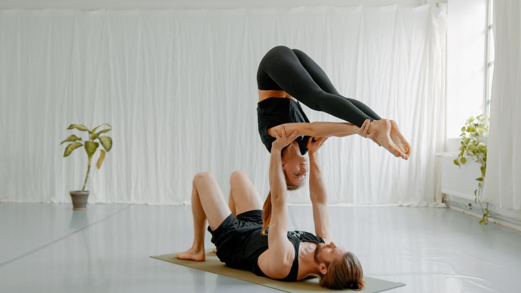 Floating Pashi Acro Yoga